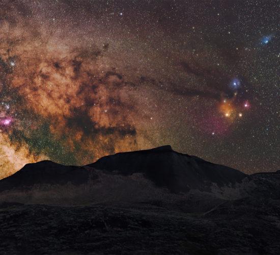 A 50mm landscape astrophotograph taken in Grasslands National Park, Saskatchewan. Taken during a night photography workshop