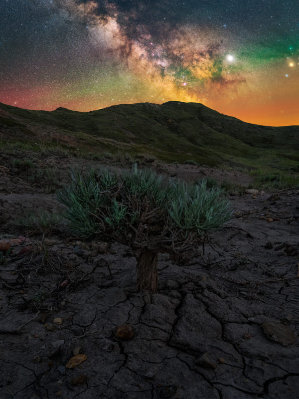 Milky way photography in Grasslands National Park during a night photography workshop